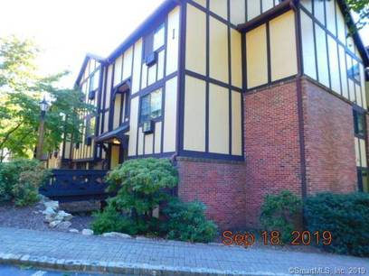 Foreclosure: Condo Home Sold in Norwalk CT 06851. Ranch house near beach side waterfront with swimming pool.