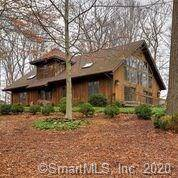 Single Family Home Sold in Easton CT 06612. Colonial cape cod house near waterfront with 3 car garage.
