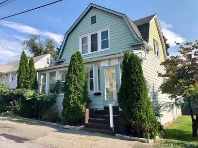 Foreclosure: Single Family Home For Sale in Bridgeport CT 06606. Old colonial house near waterfront.