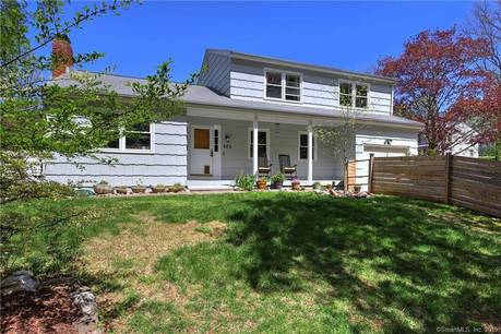 Single Family Home Sold in Fairfield CT 06824. Colonial house near waterfront with 1 car garage.