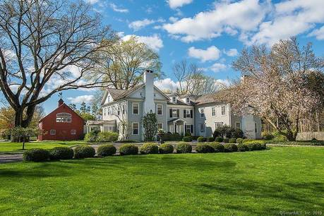 Luxury Mansion Sold in Fairfield CT 06824. Big colonial house near beach side waterfront with swimming pool and 6 car garage.