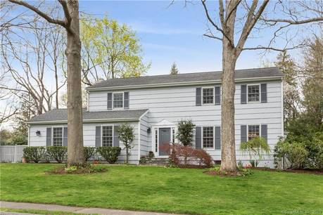 Single Family Home Sold in Darien CT 06820. Colonial house near beach side waterfront with swimming pool and 2 car garage.