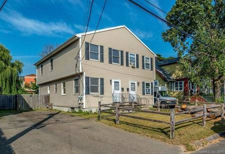 Single Family Home For Sale in Stratford CT 06615.  house near waterfront.