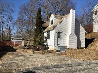 Single Family Home Sold in Shelton CT 06484. Colonial cape cod house near waterfront.