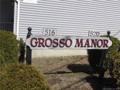 Condo Home Sold in Bridgeport CT 06606. Ranch house near waterfront with 1 car garage.