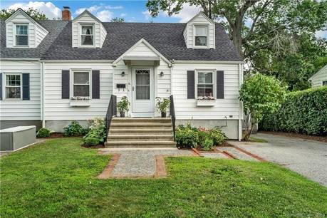 Single Family Home Sold in Fairfield CT 06825.  cape cod house near beach side waterfront.