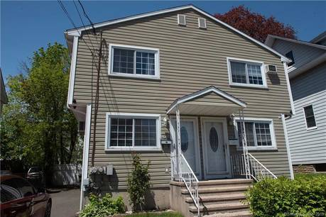 Single Family Home Sold in Bridgeport CT 06604.  house near waterfront.