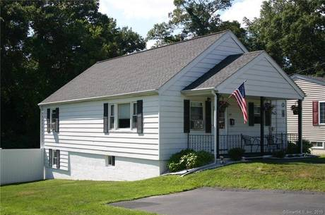 Single Family Home Sold in Danbury CT 06810. Ranch house near waterfront.