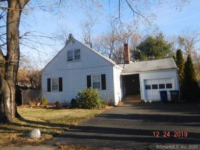 Foreclosure: Single Family Home Sold in Bridgeport CT 06610.  cape cod house near beach side waterfront with 1 car garage.