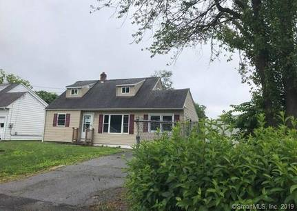 Foreclosure: Single Family Home Sold in Danbury CT 06810.  cape cod house near waterfront.