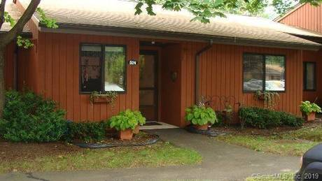 Condo Home Sold in Shelton CT 06484. Ranch house near waterfront.