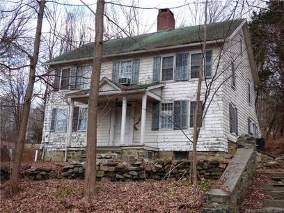 Single Family Home Sold in Brookfield CT 06804. Old colonial house near waterfront.