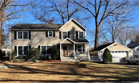 Single Family Home Sold in Stratford CT 06614. Colonial house near beach side waterfront with 1 car garage.