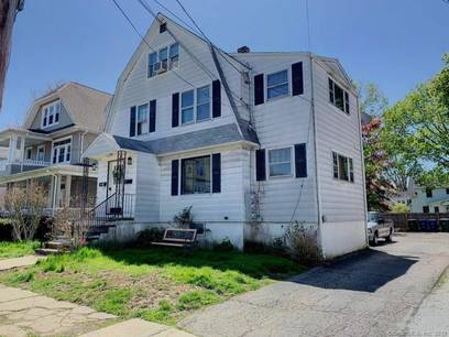 Multi Family Home Sold in Bridgeport CT 06605.  house near beach side waterfront.