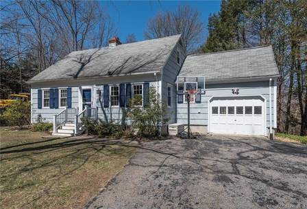 Single Family Home Sold in Newtown CT 06482.  cape cod house near waterfront with 1 car garage.