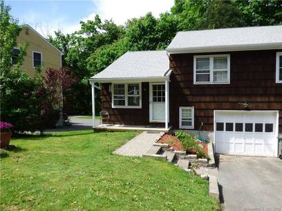 Condo Home Sold in Bethel CT 06801.  house near waterfront with 1 car garage.