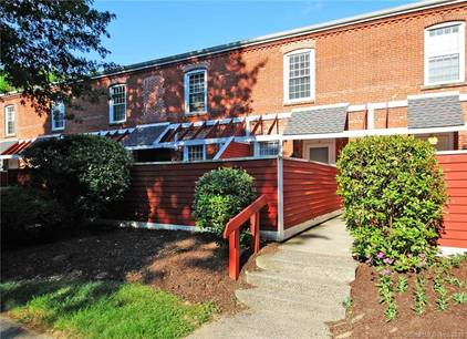 Condo Home Sold in Danbury CT 06810. Old  townhouse near waterfront.