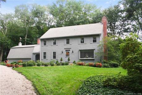 Single Family Home Sold in Wilton CT 06897. Colonial house near waterfront with 5 car garage.