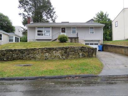 Foreclosure: Single Family Home Sold in Shelton CT 06484. Ranch house near waterfront with 1 car garage.
