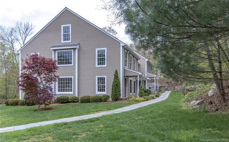 Condo Home Sold in Redding CT 06896. Ranch townhouse near waterfront.