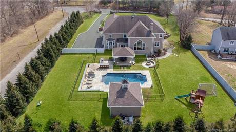 Mansion Sold in Shelton CT 06484. Big colonial house near waterfront with swimming pool and 3 car garage.
