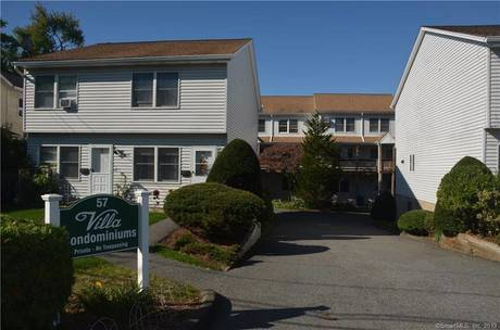 Condo Home For Rent in Norwalk CT 06851.  townhouse near waterfront.