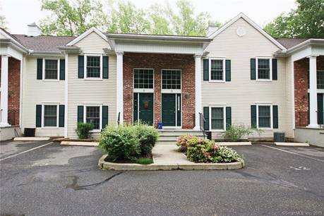Condo Home Sold in Ridgefield CT 06877.  townhouse near lake side waterfront with 1 car garage.