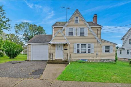 Single Family Home Sold in Bridgeport CT 06606. Old colonial house near waterfront with 1 car garage.
