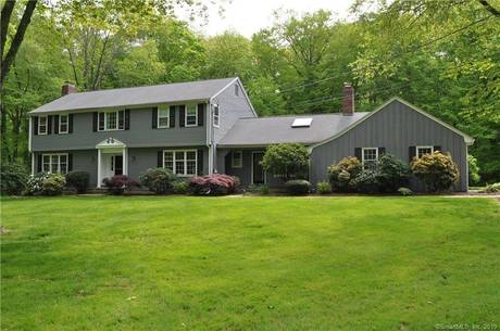 Single Family Home Sold in Fairfield CT 06824. Colonial house near lake side waterfront with swimming pool and 2 car garage.