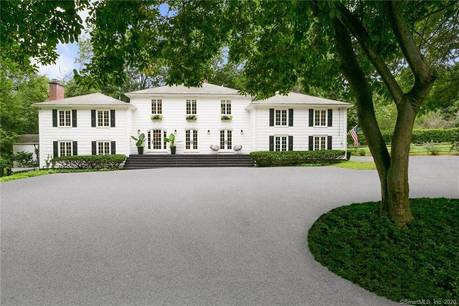 Single Family Home Sold in Darien CT 06820. Colonial house near beach side waterfront with swimming pool and 1 car garage.