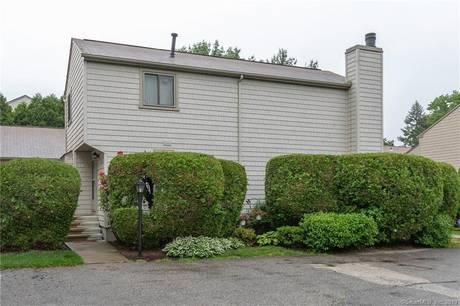 Condo Home Sold in Stratford CT 06614.  townhouse near beach side waterfront with swimming pool.