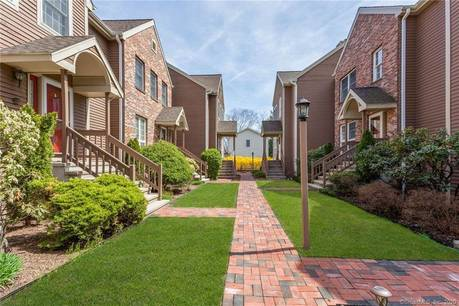Condo Home For Sale in Stamford CT 06907.  townhouse near beach side waterfront with 2 car garage.
