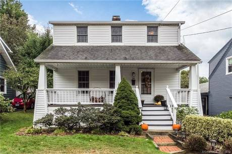 Single Family Home Sold in Norwalk CT 06855. Old colonial cape cod house near beach side waterfront.