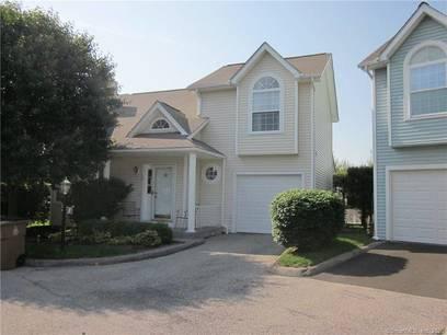 Condo Home Sold in Stamford CT 06906.  townhouse near waterfront with 1 car garage.