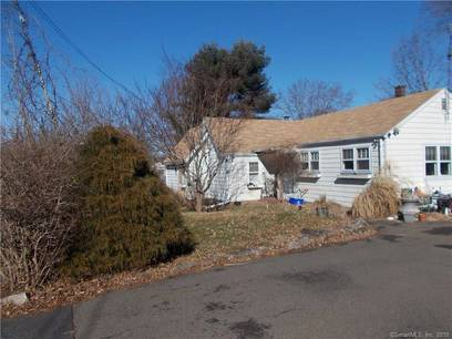 Single Family Home Sold in Trumbull CT 06611. Old ranch bungalow house near waterfront.