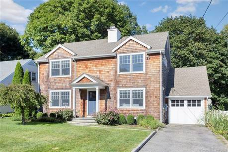 Single Family Home Sold in Greenwich CT 06878. Colonial house near waterfront with 1 car garage.
