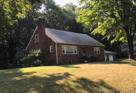Short Sale: Single Family Home Sold in Norwalk CT 06850.  cape cod house near waterfront with 2 car garage.