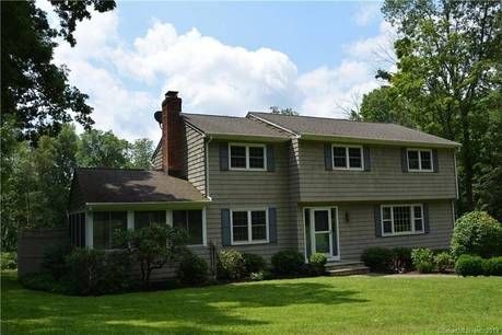 Single Family Home Sold in Redding CT 06896. Colonial house near waterfront with 4 car garage.