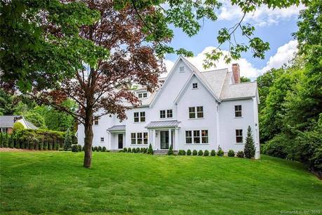 Luxury Mansion Sold in Westport CT 06880. Big colonial house near beach side waterfront with swimming pool and 3 car garage.