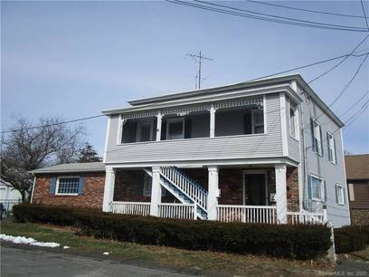 Multi Family Home For Rent in Fairfield CT 06825. Old ranch house near beach side waterfront.