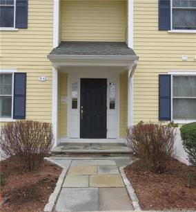 Condo Home For Rent in Norwalk CT 06850. Ranch house near beach side waterfront with 1 car garage.