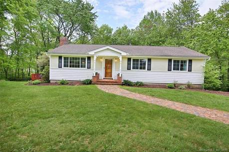 Single Family Home Sold in Newtown CT 06482. Ranch house near waterfront with 2 car garage.