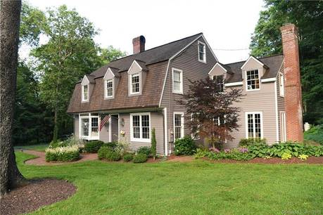 Single Family Home Sold in Wilton CT 06897. Colonial house near waterfront with 1 car garage.