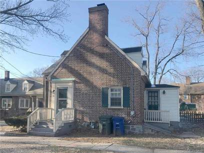 Cooperative Home Sold in Bridgeport CT 06604. Old  house near beach side waterfront.