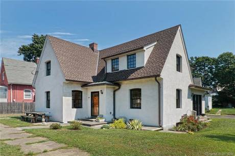 Single Family Home Sold in Stratford CT 06615. Old colonial cape cod house near beach side waterfront.