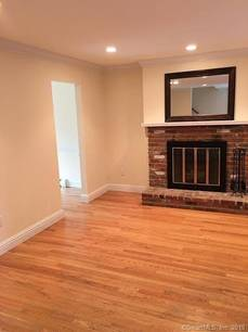 Condo Home For Rent in Brookfield CT 06804.  townhouse near waterfront with swimming pool.