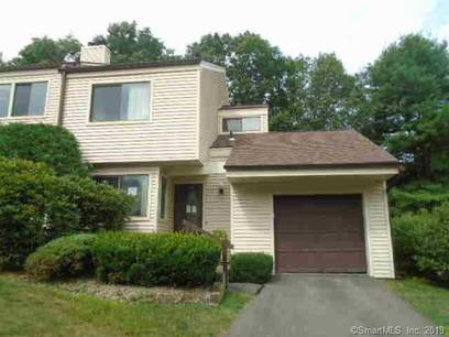 Foreclosure: Condo Home Sold in Bethel CT 06801.  townhouse near waterfront with 1 car garage.