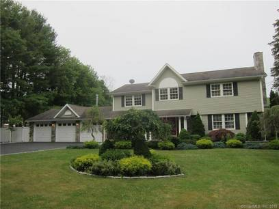 Single Family Home Sold in Shelton CT 06484. Colonial house near waterfront with 3 car garage.