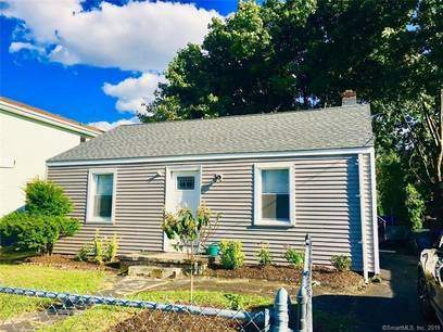 Single Family Home Sold in Bridgeport CT 06606. Ranch house near beach side waterfront.