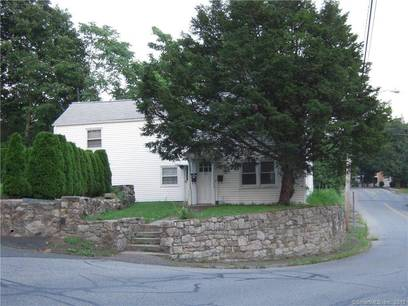 Multi Family Home Sold in Norwalk CT 06851. Old  house near waterfront.